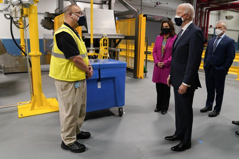 Επίσκεψη Τζο Μπάιντεν σε εργοστάσιο της Pfizer
