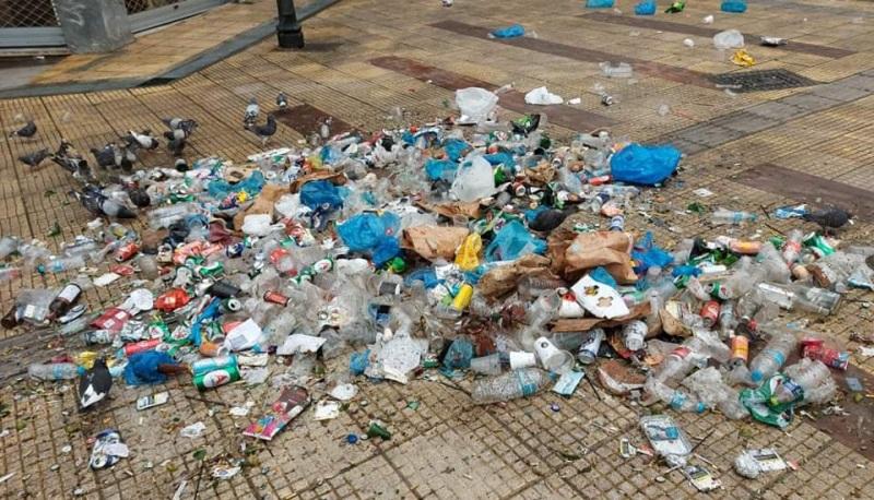 Κορωνοπάρτι Κυψέλη: 50 σακούλες σκουπίδια μάζεψε ο δήμος Αθηναίων - Το πριν και το μετά