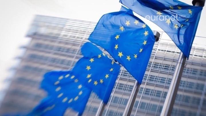 Χτυπημένη από την πανδημία, η ΕΕ επιθυμεί να ενισχύσει το κοινωνικό της μοντέλο