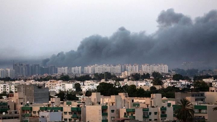 Λιβύη: Πολύνεκρη επιδρομή των δυνάμεων Χαφτάρ στην Τρίπολη