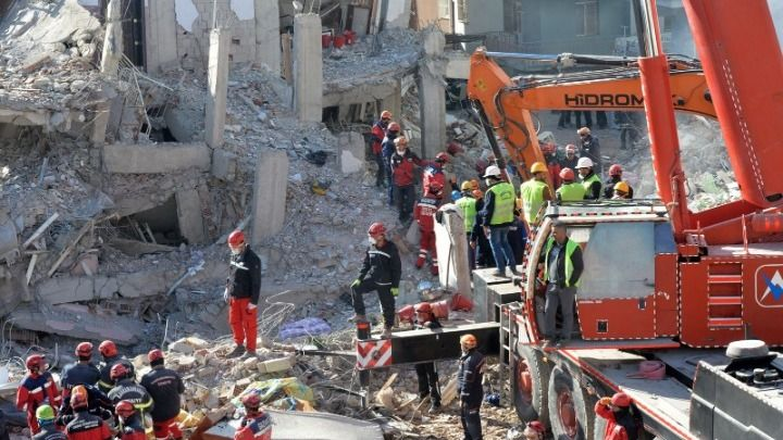 Σεισμός στην Τουρκία: Στους 38 οι νεκροί- Ολοκληρώνονται οι επιχειρήσεις διάσωσης