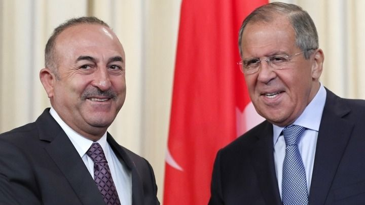 Τσαβούσογλου για Συρία: Αποδοκιμάζουμε τη Ρωσία – Δικαιολογεί τον Άσαντ