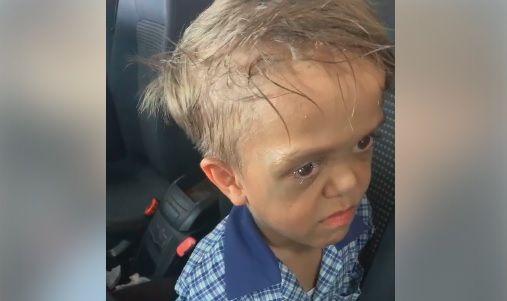 Κύμα αγάπης από αστέρες για τον 9χρονο - Πάσχει από νανισμό και ήθελε να αυτοκτονήσει
