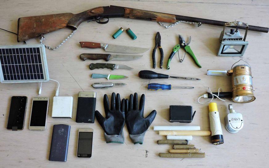 Κέρκυρα: Βαριά οπλισμένος ο αποκαλούμενος «δράκος του Κάβου» - Τα ευρήματα (φωτό - vid)