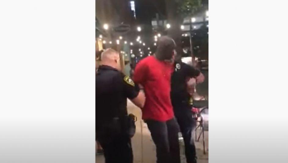 ΗΠΑ: Fake το βίντεο με δήθεν σύλληψη αφροαμερικανού πράκτορα του FBI (VIDEO)