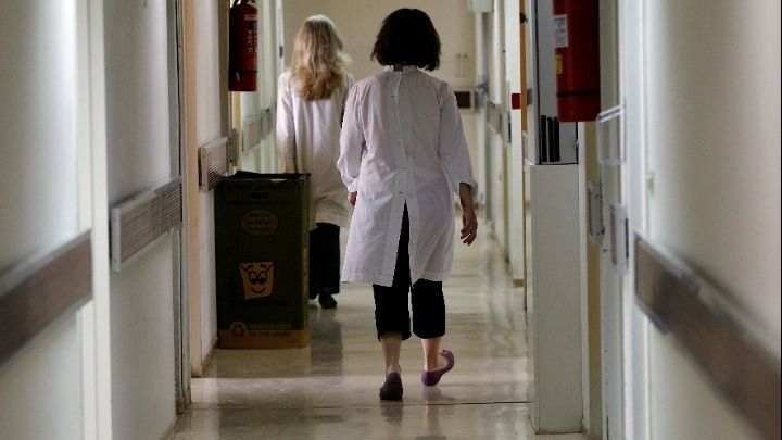 Σκάνδαλο εικονικούς εμβολιασμούς- ΙΚΑ Αλεξάνδρας: Συνελήφθησαν νοσηλεύτρια 2 γυναίκες