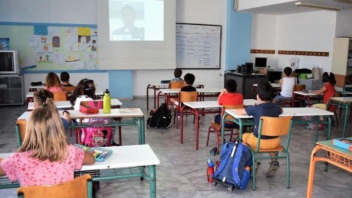 Κορωνοϊός: Πως λειτουργούν τα σχολεία στις άλλες χώρες της Ε.Ε. | ΣΚΑΪ