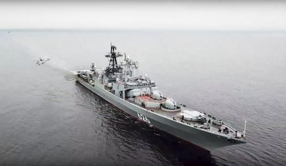Στον Πειραιά έδεσε το ρωσικό πλοίο Vice Admiral Kulakov (φωτό)