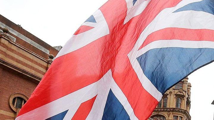 Τελική ευθεία για βρετανικές εκλογές με σταθερό προβάδισμα των Τόρις