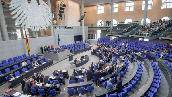 Γερμανική Βουλή: «Πράσινο» στην έναρξη ενταξιακών διαπραγματεύσεων Ε.Ε. με Βόρεια Μακεδονία και Αλβανία