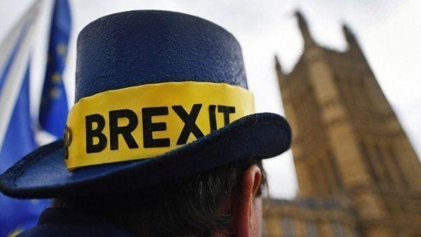Brexit: Στο «μικροσκόπιο» των πρεσβευτών οι 1.200 σελίδες της συμφωνίας με το Λονδίνο