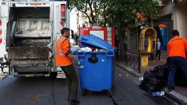 Δήμος Πειραιά: Αντικαταστάσεις κάδων απορριμμάτων και ανανέωση στόλου καθαριότητας