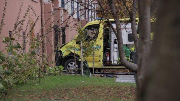 Συνελήφθη ο ένοπλος άνδρας που έκλεψε ασθενοφόρο στο Όσλο και έπεσε πάνω σε πλήθος (pics+vid)