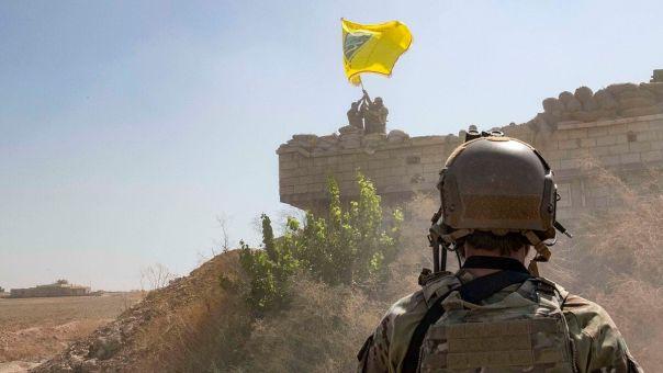 Συρία: «Ασπίδα» ΗΠΑ στους Κούρδους για το «μαύρο χρύσο» - Απειλές και κατά Μόσχας