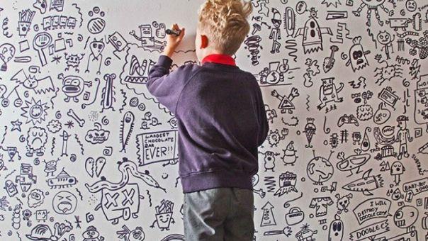 Βρετανία: Ο εννιάχρονος που «μουτζούρωνε» στην τάξη, τώρα διακοσμεί εστιατόριο