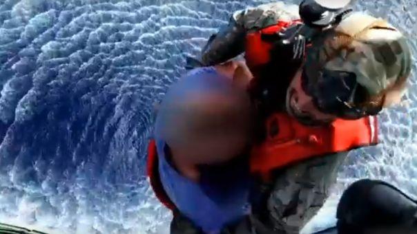 Διακομιδή ασθενούς από πλοίο του Ρωσικού Πολεμικού Ναυτικού ανοιχτά της Γαύδου (vid)