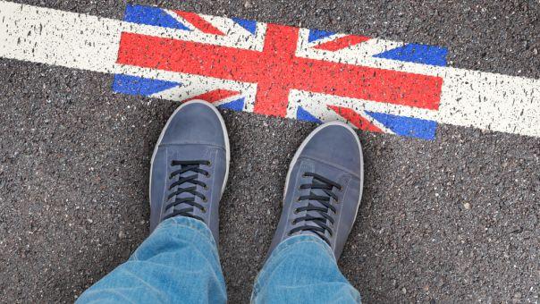 Βρετανία: Όχι στους ανειδίκευτους μετανάστες (και από την ΕΕ) λέει ο Τζόνσον