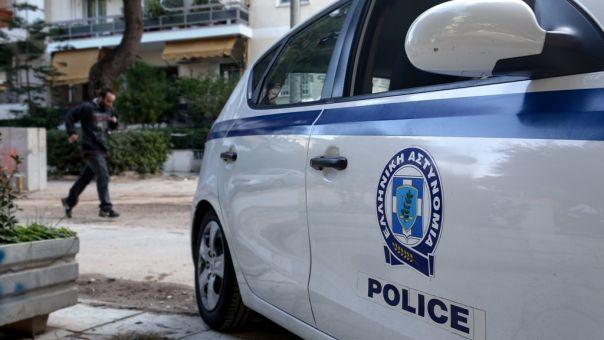 Ηράκλειο: 27χρονος απειλούσε τη 47χρονη μητέρα του με καραμπίνα