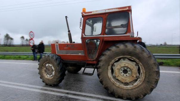 Πηγές υπ. Αγροτικής Ανάπτυξης: Δεν θα επιβληθούν τέλη κυκλοφορίας στα τρακτέρ