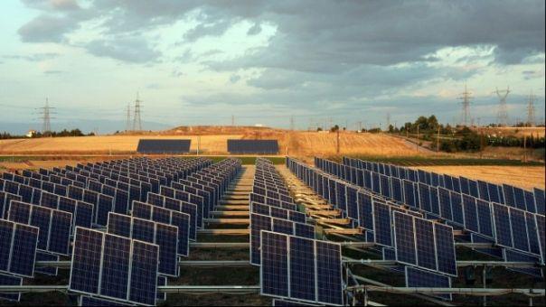 Φωτοβολταϊκά: Βοηθούν τους αγρότες να μειώσουν το κόστος παραγωγής και να αυξήσουν το εισόδημα
