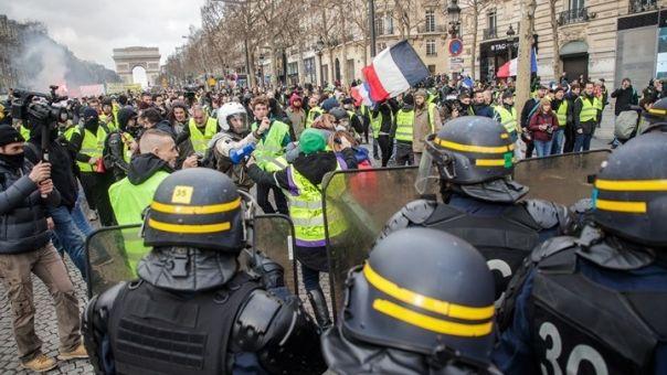 Γαλλία: Η αστυνομία απαγόρευσε τη διαδήλωση των «κίτρινων γιλέκων»
