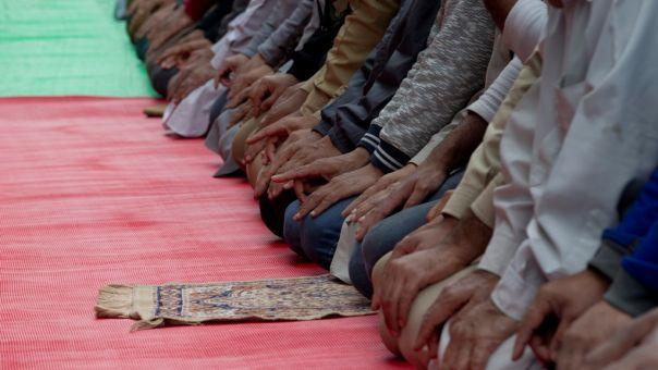 «Φρένο» Μακρόν στην διδαχή ιμάμηδων σε παιδιά: Δεν ισχύουν εδώ τουρκικοί νόμοι