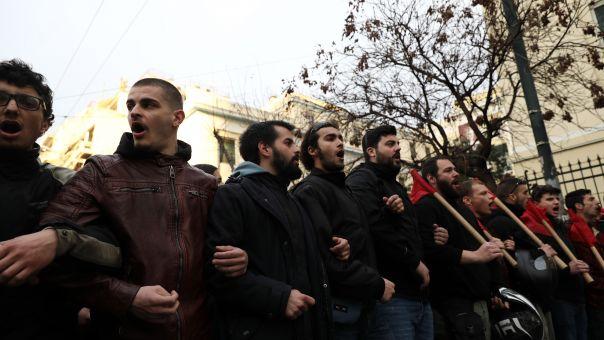 Ένταση στην πορεία διαμαρτυρίας φοιτητών από την ΑΣΟΕΕ στην ΓΑΔΑ (φωτό)