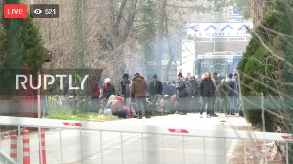Έβρος: Κλειστό το τελωνείο Καστανέων-Μεγάλος αριθμός προσφύγων στα σύνορα