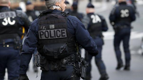 Γαλλία: Ένοπλος κρατά ομήρους μέσα σε τράπεζα στη Χάβρη