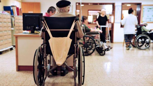 Φόβοι για τους «κρυφούς» θανάτους από κορωνοϊό σε βρετανικά γηροκομεία
