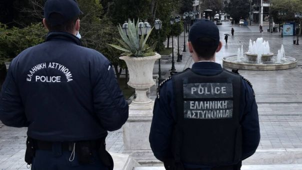 Κορωνοϊός: Θετικός στον ιό αστυνομικός στο Χαλάνδρι - Σε καραντίνα 15 συνάδελφοί του