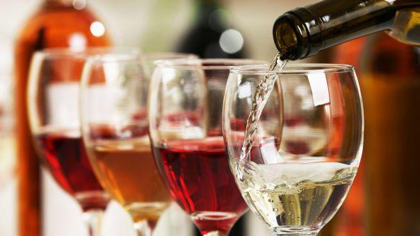 Κόβουν το (εισαγόμενο) κρασί οι Έλληνες; Υποχώρησαν οι εισαγωγές οίνου το 2020