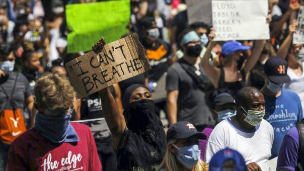 Χιούστον: 60.000 διαδηλωτές τίμησαν τη μνήμη του Τζορτζ Φλόιντ