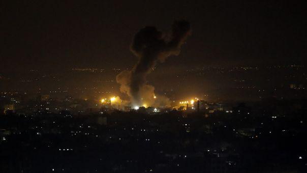 Μεσανατολικό: Βομβαρδισμοί του Ισραήλ στη Λωρίδα της Γάζας τη νύχτα