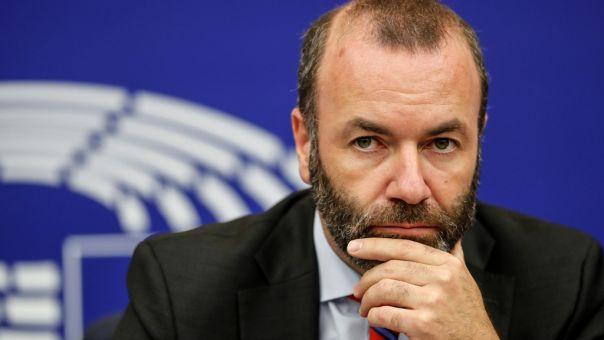 Βέμπερ-Sofagate: Η αποστολή στην Τουρκία οδήγησε σε διχασμό