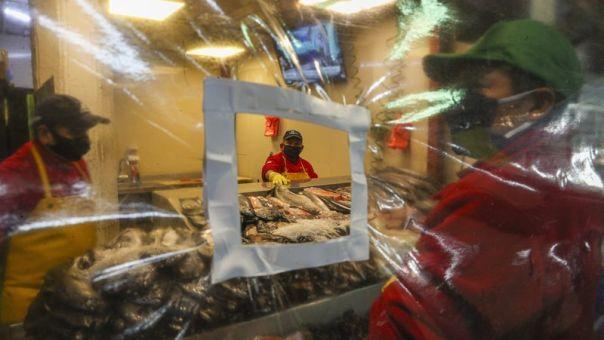 Πάνω από 10.000 οι νεκροί στη Χιλή από κορωνοϊό