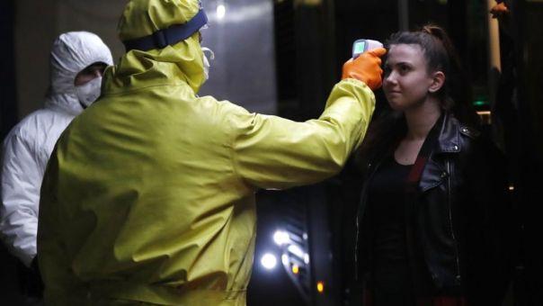 Γερμανία: Υποχρεωτικά τεστ για τον κορωνοϊό σε όσους επιστρέφουν από το εξωτερικό