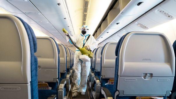 Ποια είναι τα πιο βρώμικα σημεία σε ένα αεροπλάνο - Αεροσυνοδός δίνει συμβουλές