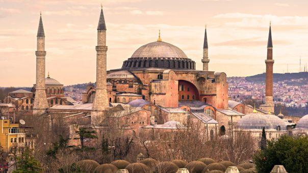 Τη μετατροπή της Αγίας Σοφίας σε τζαμί καταδίκασε το δημοτικό συμβούλιο Θεσσαλονίκης