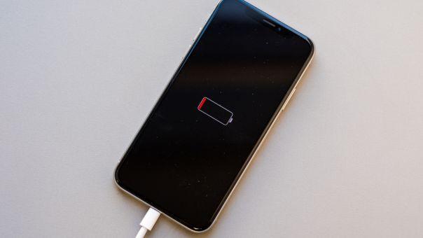 Η Apple θα αποζημιώσει τους κατόχους iPhone για τη μείωση των επιδόσεων της μπαταρίας