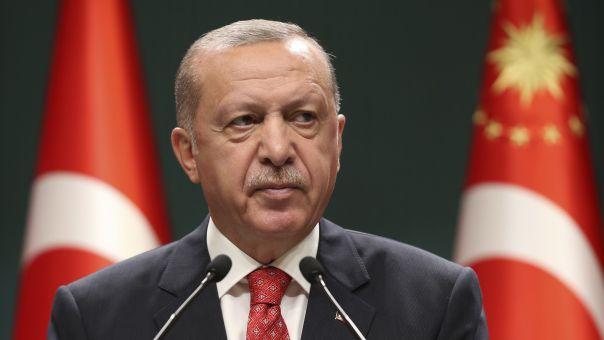 Ερντογάν: Όσοι υψώνουν ανάστημα θα πέσουν με την πρώτη φουρτούνα σαν κούφια δέντρα