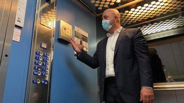 Ασανσέρ αντίCOVID: Το ασανσέρ που του μιλάς είναι ελληνικό, και ενδιαφέρει τη Google (vids)
