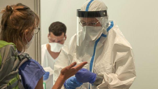 Κορωνοϊός-Γερμανία: Οι μολύνσεις ήταν τετραπλάσιες απ' όσες είχαν καταγραφεί στο Κούπφερτσελ