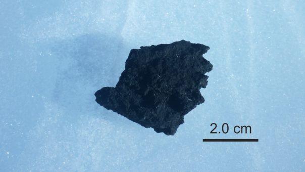 «Αρχέγονο διάστημα»: Τα κρυμμένα μυστικά μετεωρίτη στην Ανταρκτική, αποκαλύπτουν Έλληνες επιστήμονες