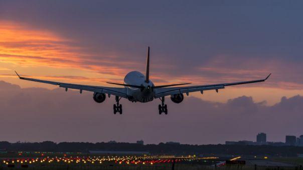 Έκτακτη προσγείωση αεροσκάφους στην Κέρκυρα – Επιβάτης έκανε επεισόδια