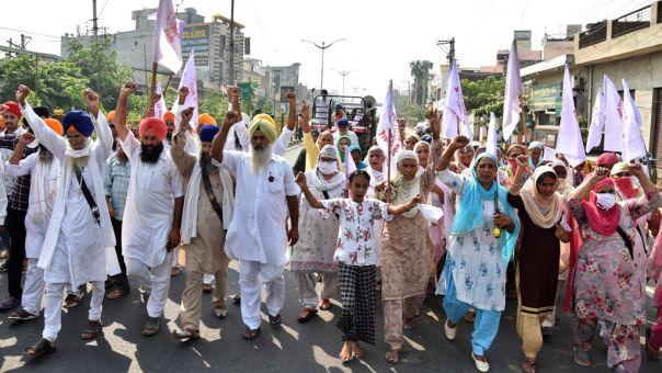 Ινδία: Θύμα βιασμού πέθανε εβδομάδες μετά την επίθεση - Διαδηλώσεις έξω από το νοσοκομείο