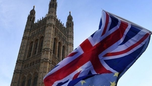 Επαναρχίζουν οι συνομιλίες για την εμπορική συμφωνία Λονδίνου-Βρυξελλών