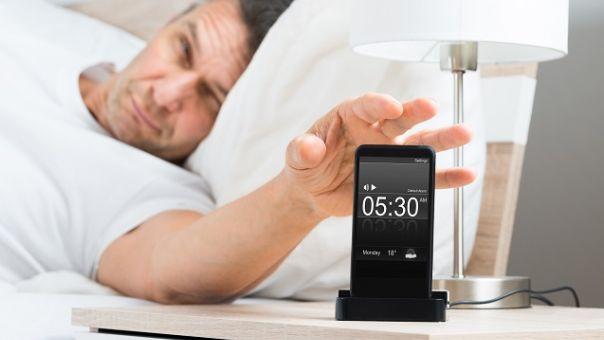 Ο λόγος που δεν πρέπει να χρησιμοποιούμε το κινητό ως ξυπνητήρι - Το γνωρίζατε;
