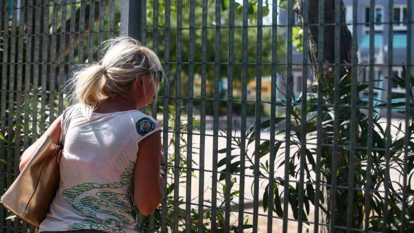 Ένταση έξω από σχολείο: Γονείς προσπάθησαν να σπάσουν κατάληψη (pics)