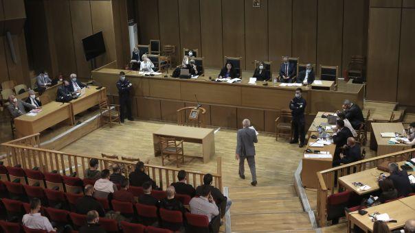 Δίκη Χρυσής Αυγής: Διακόπηκε για αύριο στις 10.00 - Ανέβηκαν οι τόνοι στην αίθουσα
